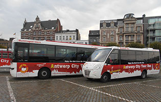 antwerp citytourbus bus red